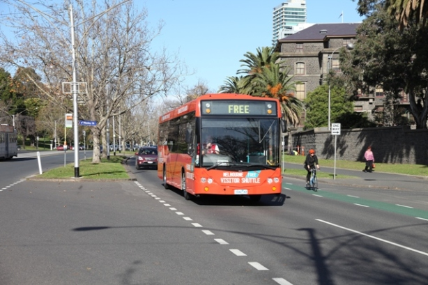 how to become a bus driver in melbourne